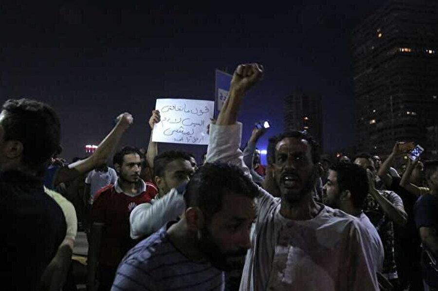 Mısır'ın çeşitli kentlerinde düzenlenen Sisi karşıtı protestolar.