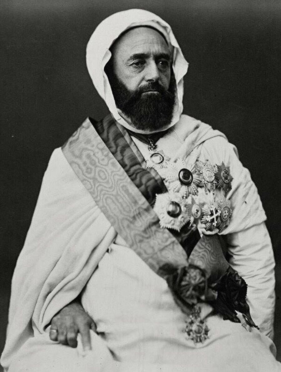 Emir Abdulkadir Cezayiri.