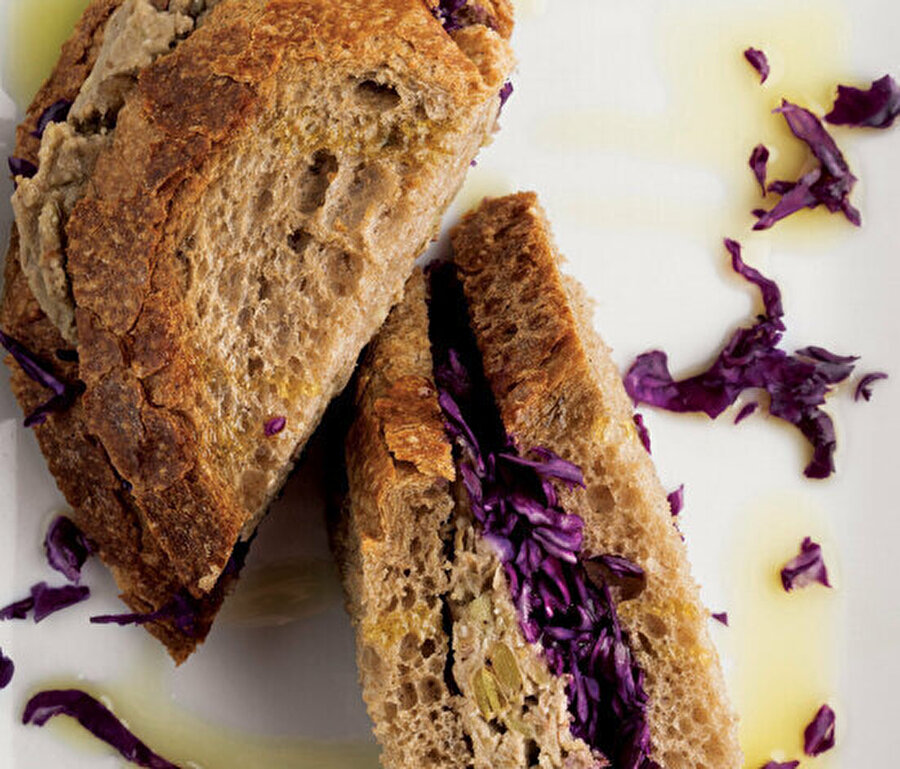 Mercimek püreli sandviç