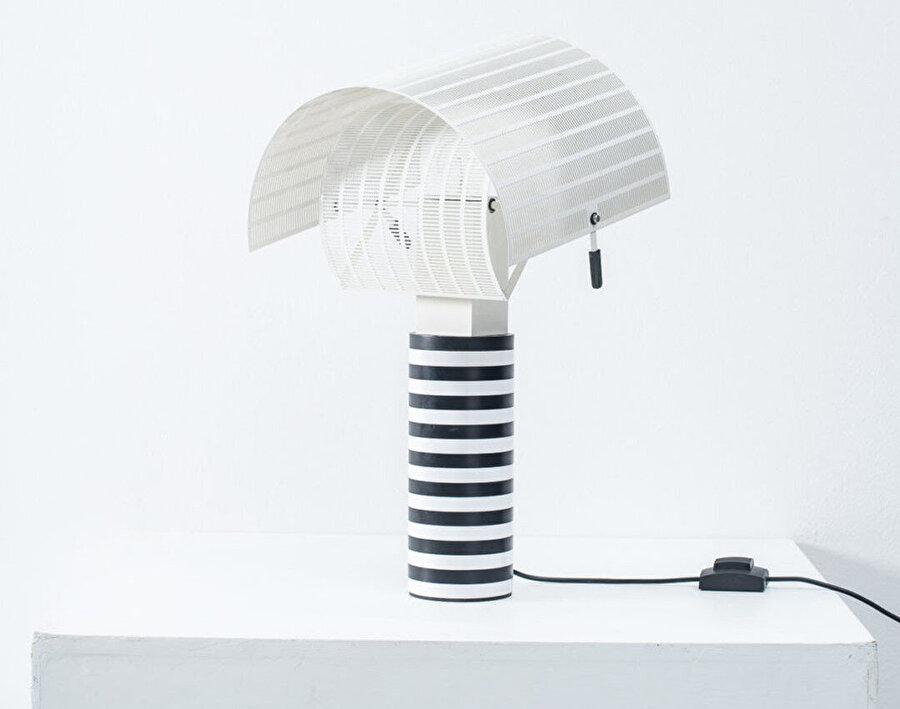 Botta'nın mimarisinden izler taşıyan, Artemide şirketi için tasarladığı Shogun Lambası.