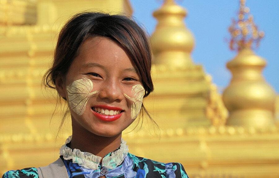 Myanmar'da gelişkin bir Buda uygarlığı vardır.