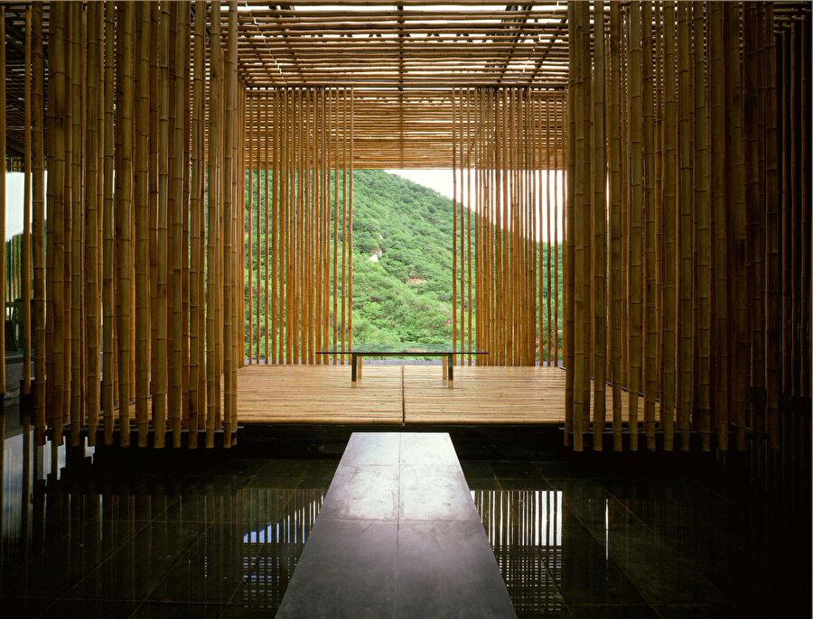Bambu Evi, iç mekan.