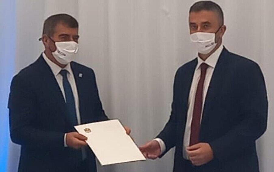 BAE Dışişleri Bakanı Danışmanı Ömer Saif Gobaş, elçilik açma talebini İsrail Dışişleri Bakanı Gabi Ashkenazi'ye iletti.