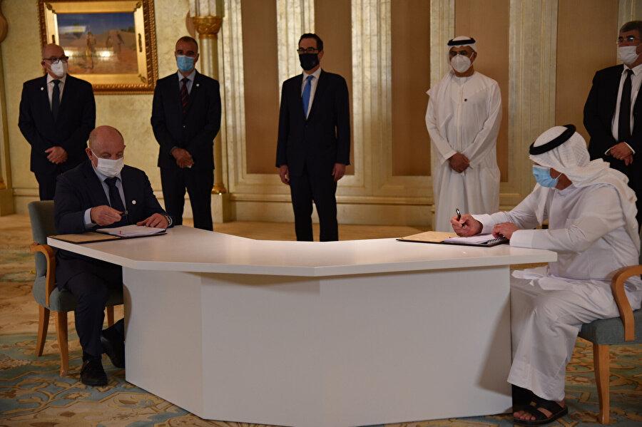 Birleşik Arap Emirlikleri'nin (BAE) petrolü, Avrupa'ya İsrailli firma üzerinden taşınacak.