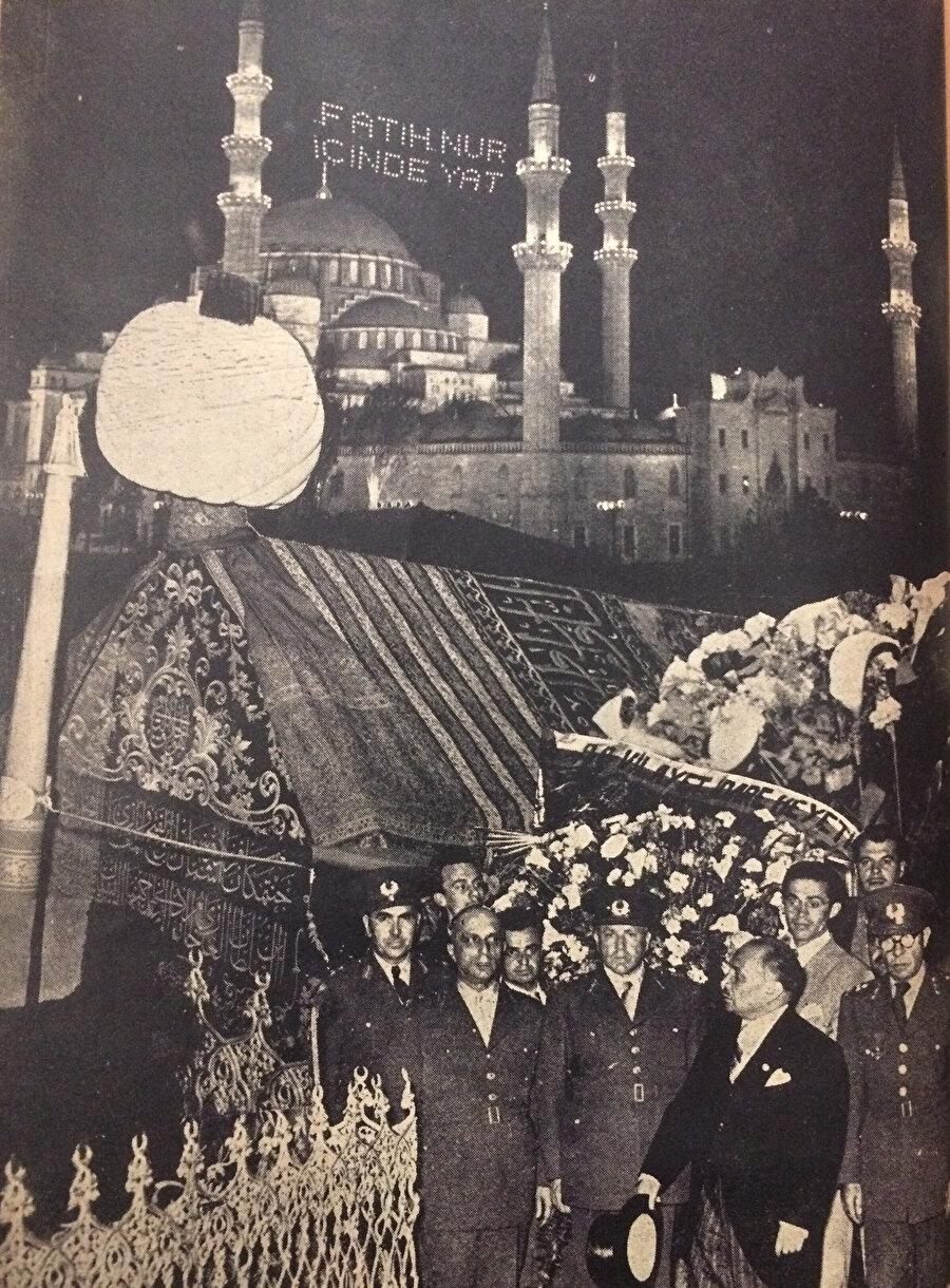 500.Fetih Yılı Şenlikleri, Fatih'in Türbesinde