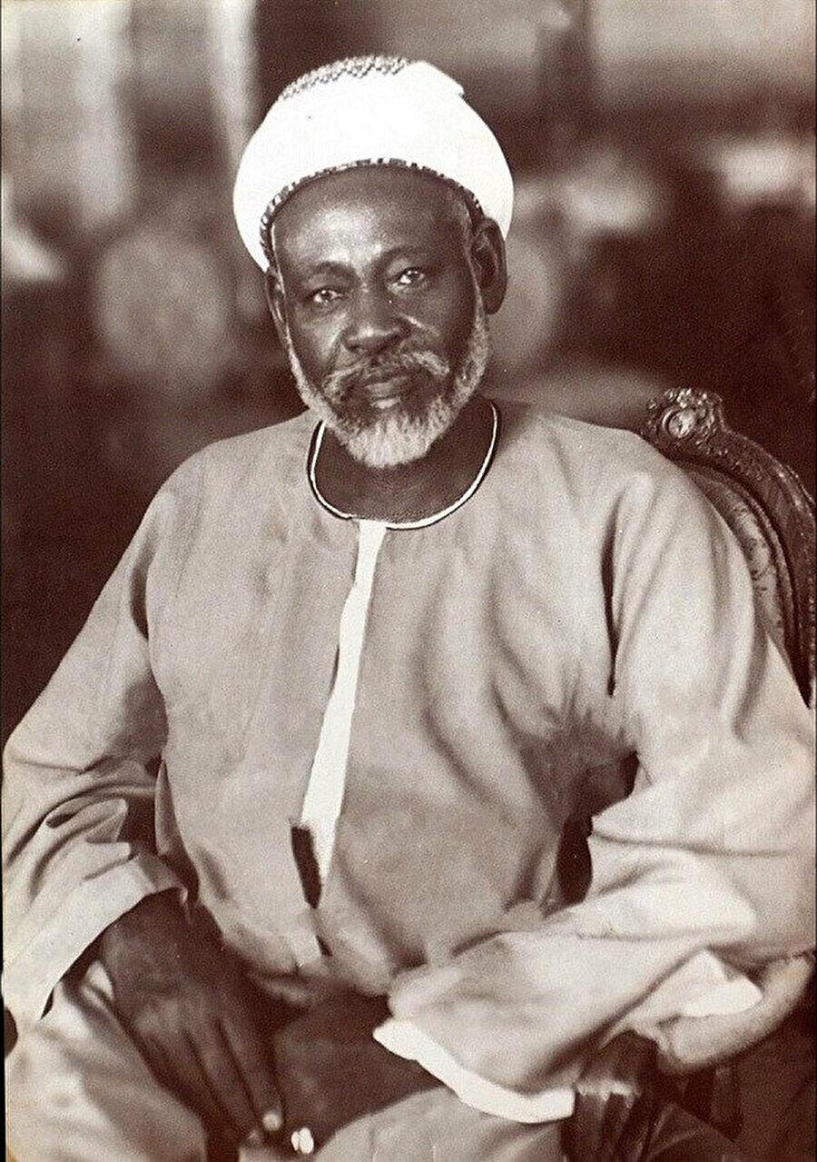 Abdurrahman el-Mehdî İngiliz kolonyal döneminde mehdilik hareketini siyasi bir partiye dönüştürmüştür.