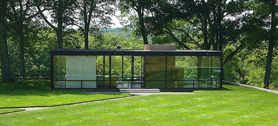 Johnson'un en bilinen eseri Glass House.