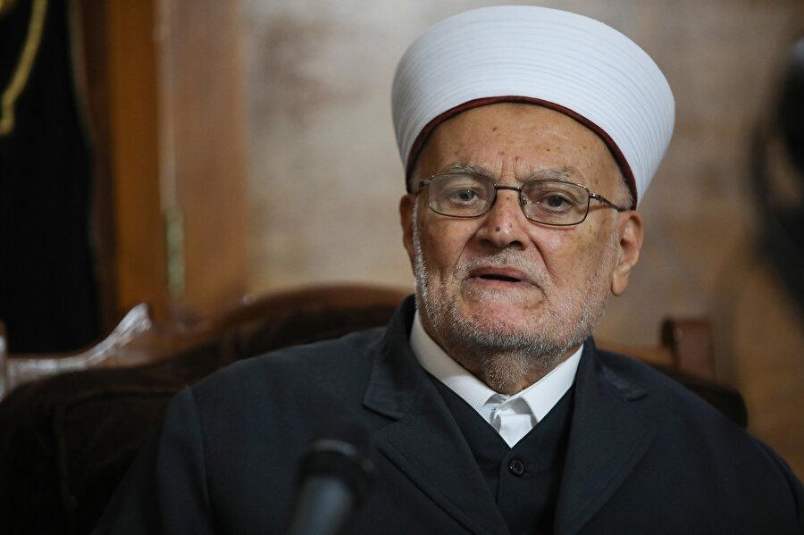 4 Mayıs 1973 tarihinde ise oğlu Şeyh İkrime Sabri, Mübarek Mescid-i Aksâ'nın hatiplerinden biri oldu.