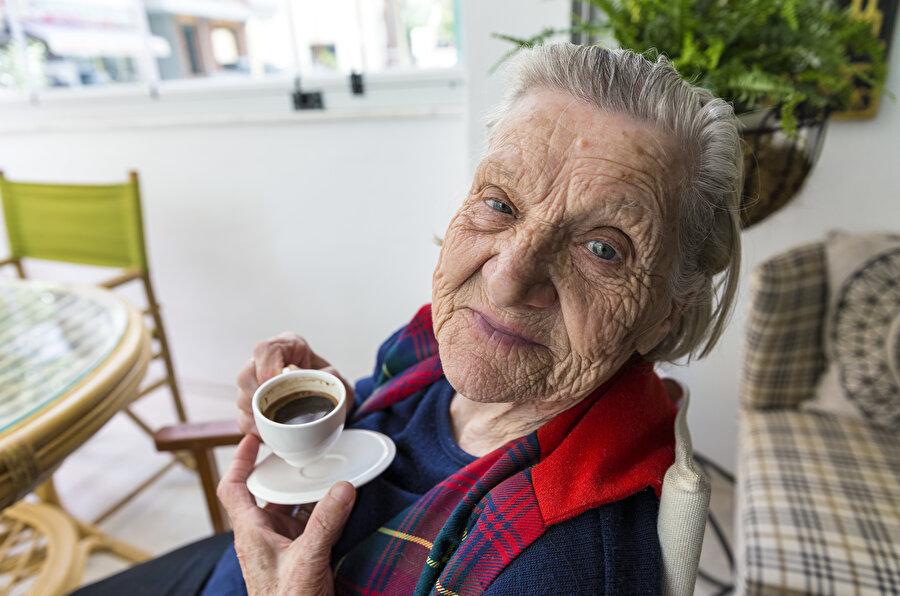 Yaşlanma pratiği sadece belirli bir yaş üstündeki insanların sayıca fazla olması değildir.