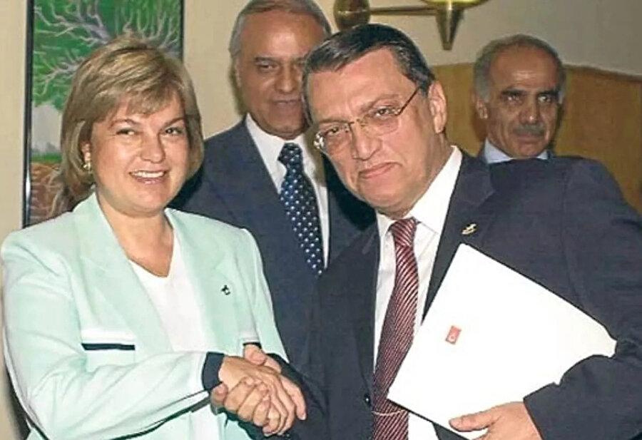 Mesut Yılmaz, Tansu Çiller'den başbakanlığı devralmıştı