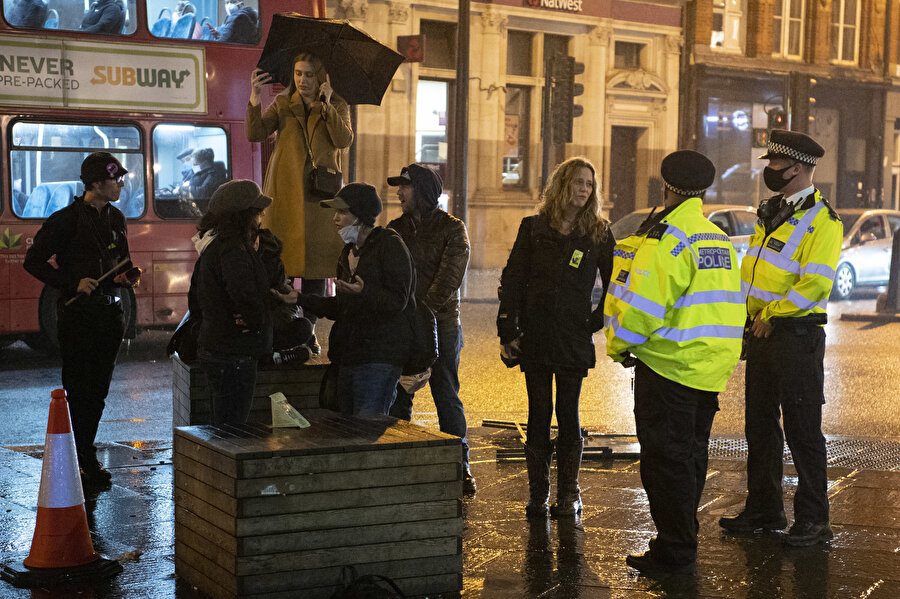 Londra'da 30 Ekim tarihli 'maske karşıtı' gösteri