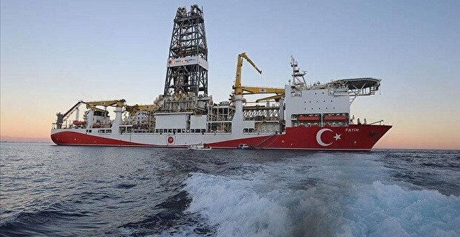 aradeniz'de sondaja başlayacak. 2 adet sismik araştırma, 3 de sondaj gemisi bulunan TP şimdi, derin deniz operasyonlarında kullanılan akıllı robot teknolojisinde kritik bir eşiği de başarıyla geçmiş durumda.
