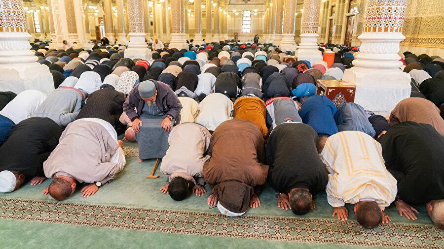 Dinî hayatın düzenlenişinde dijital araçlar da kullanılmaktadır ki bu zaten önlenemez bir durumdur.