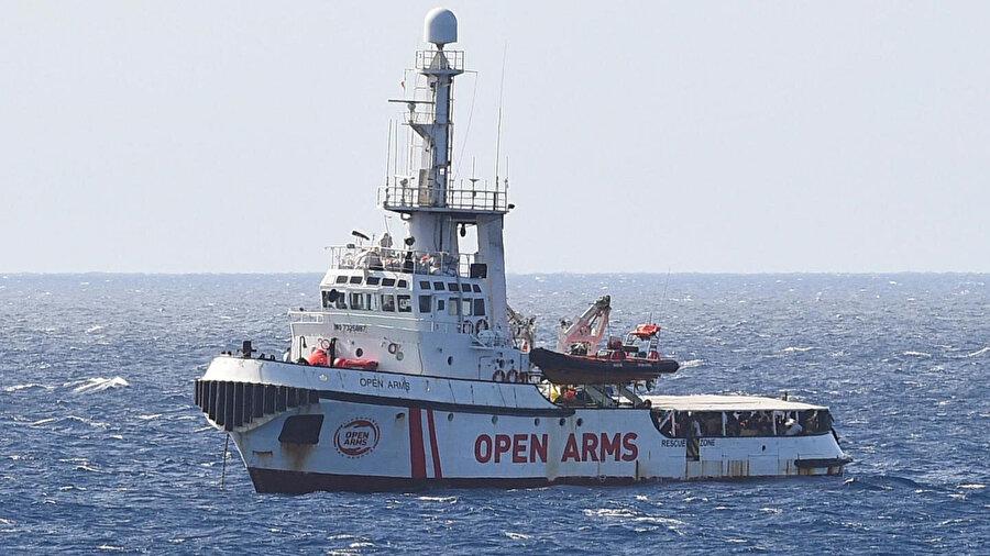 Akdeniz'de göçmenleri kurtarma operasyonları yapan Open Arms'a teşekkür edildi.