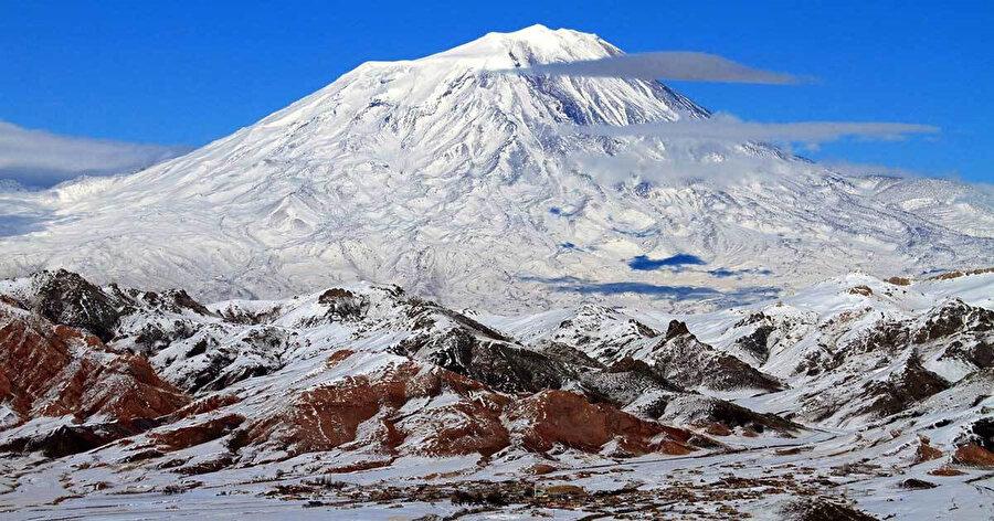 Ağrı Dağı'nın tırmanışa açılması birçok ülke dağcılarını sevindirdi