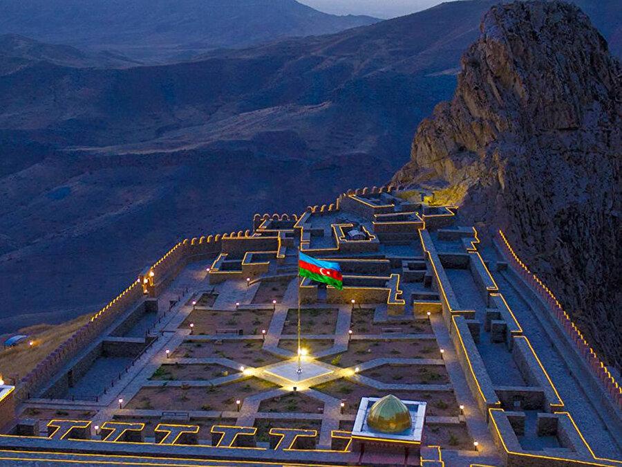 Nahçıvan koridorunun açılması, Dağlık Karabağ'daki zaferin ardından ulaşım alanında da yeni kazanımlara yol açacağı aşikardır.
