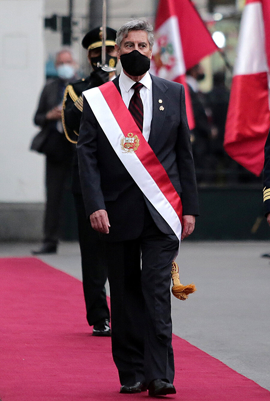 Francisco Sagasti yemin törenindeyken