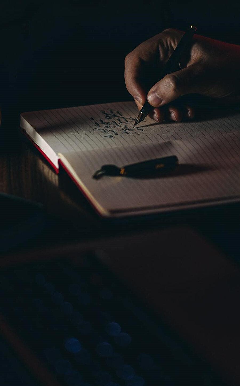 Yazacak şeyler varsa dedim kendime, yaşanacak şeyler zaten vardır.