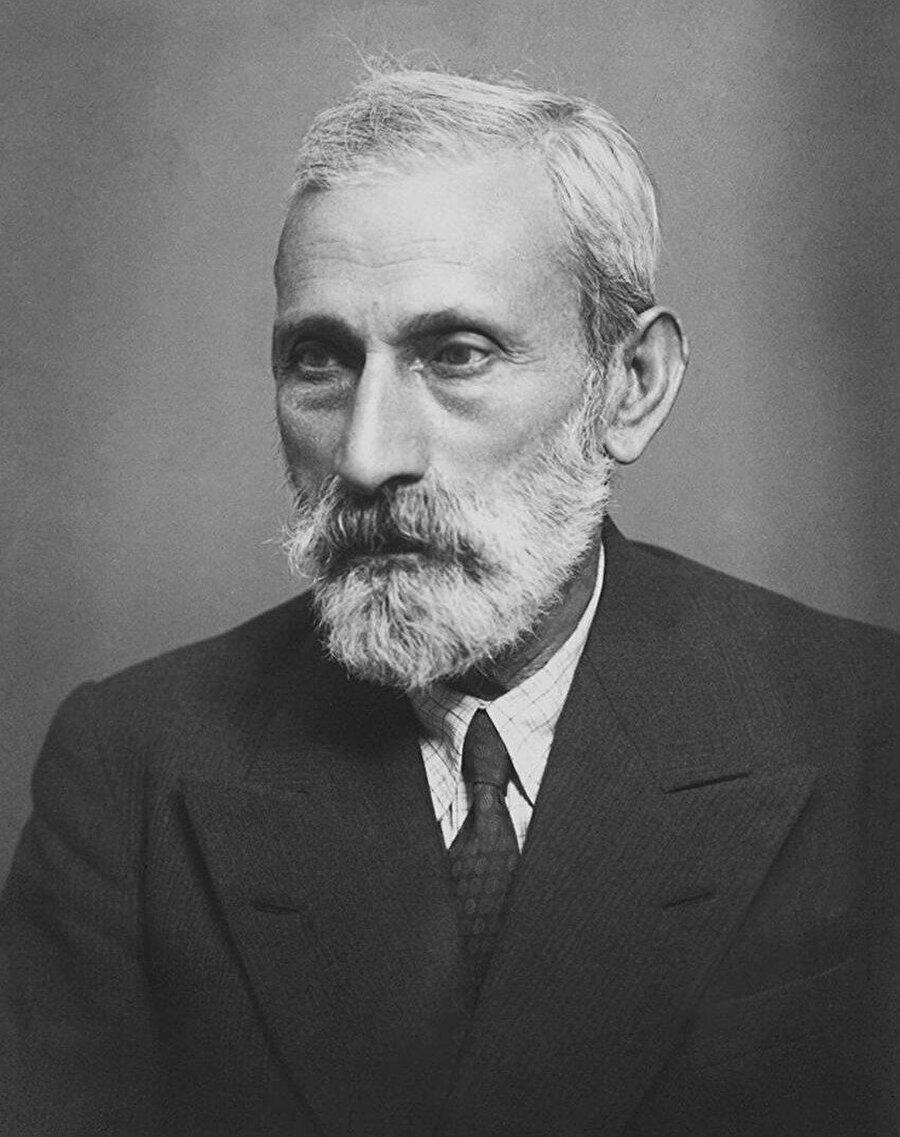 """Ali bey Hüseyinzade'nin """"Turan"""" imzasıyla yayınladığı yazılar o dönem Osmanlı'daki bir avuç Türkçü aydını etkilemeye yetmişti."""