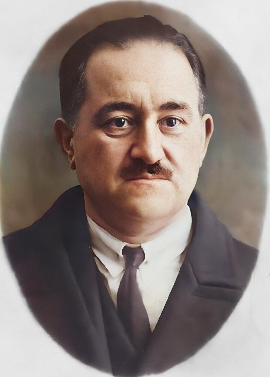 Memmed Emin Resulzade önderliğinde 1918 yılında Azerbaycan Demokratik Cumhuriyeti kuruldu.