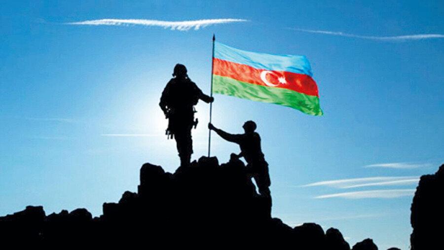 Türk yapımı Bayraktar SİHA'ların etkin olarak kullanıldığı savaşta Azerbaycan bariz bir üstünlük sağladı. Sahadaki bu üstünlük, Rusya ve ABD'nin ateşkes girişimleriyle baltalanmak istendi.