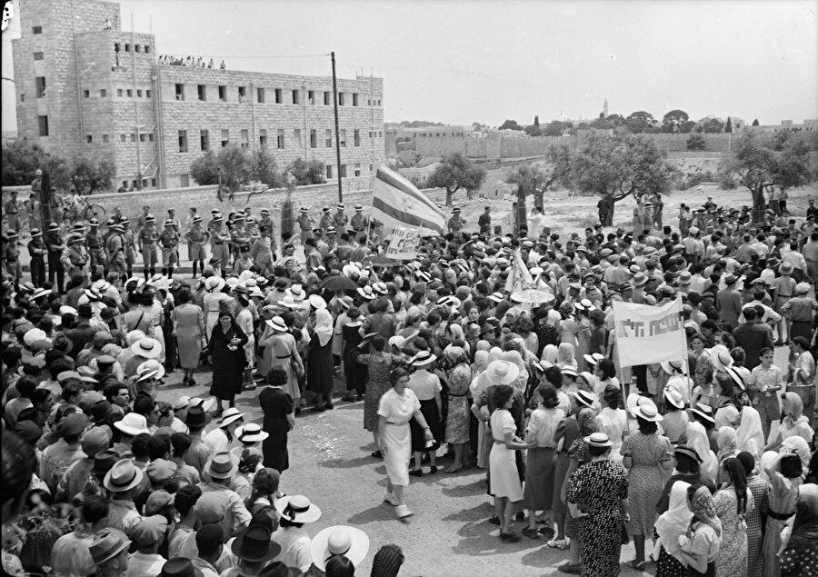 Kudüs'te Beyaz Belge karşıtı Yahudi gösterisi, 1939.