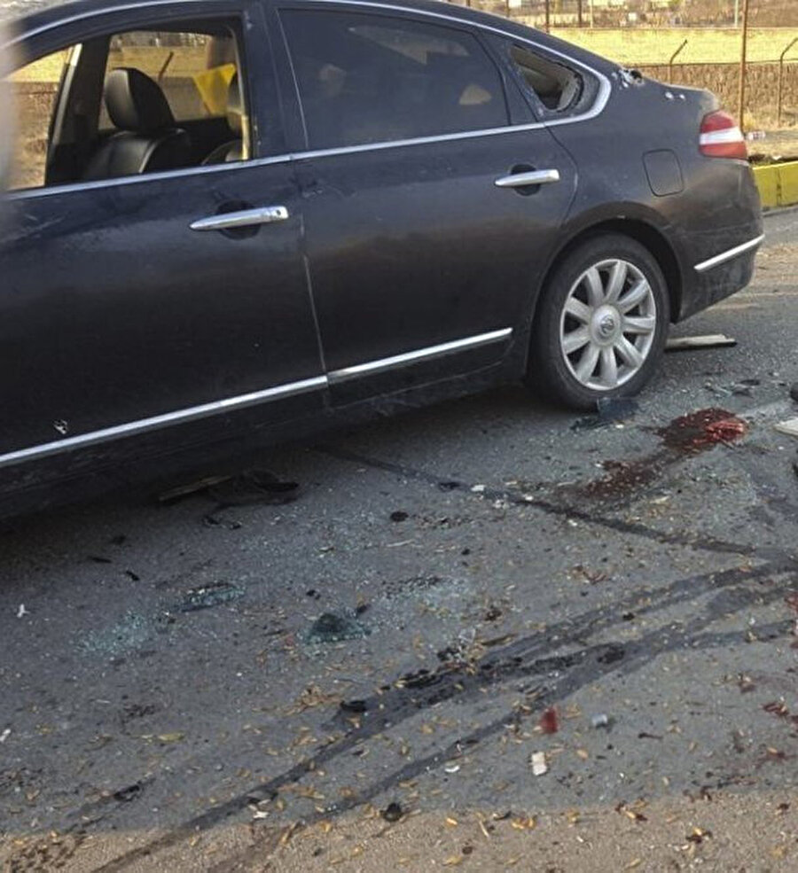 Farklı bir açıdan, Fahrizade'nin saldırıya uğradığı araç.