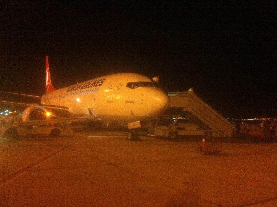 """15 Temmuz'un akabinde ayrıldığımız Türkiye'ye dönerken, bindiğimiz uçak """"Gölbaşı"""" adını taşıyordu."""