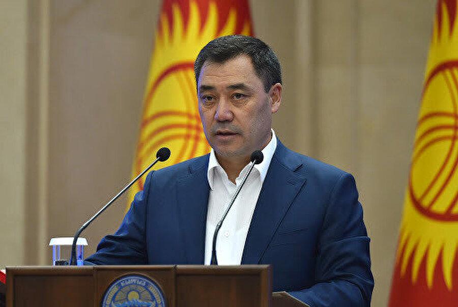 Gerekli şartları sağlayan aralarında eski Başbakan Sadır Caparov da bulundu.