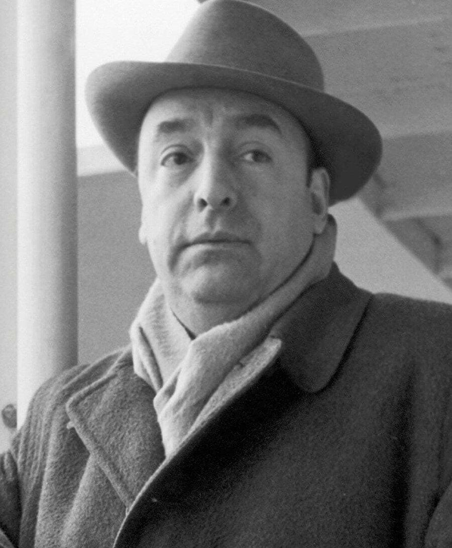 1939'da Paris'te İspanyol göçmenler için konsolosluk görevine getirildi.