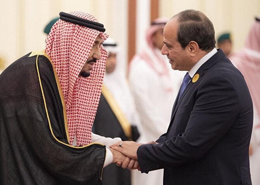 BAE ve Suudi Arabistan Sisi'nin 2013'teki kanlı darbesine destek verdi.