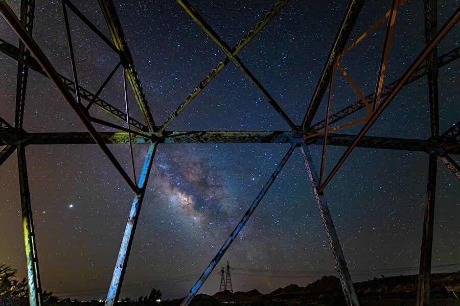 Samanyolu Galaksisi, Zach Cooley: https://www.instagram.com/p/CAoNHgQH2ae/