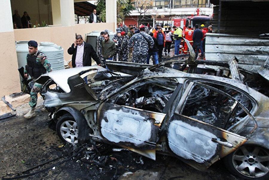 Hamas mensubu Muhammed Hamdan'a bombalı araç ile suikast girişiminde bulunuldu.