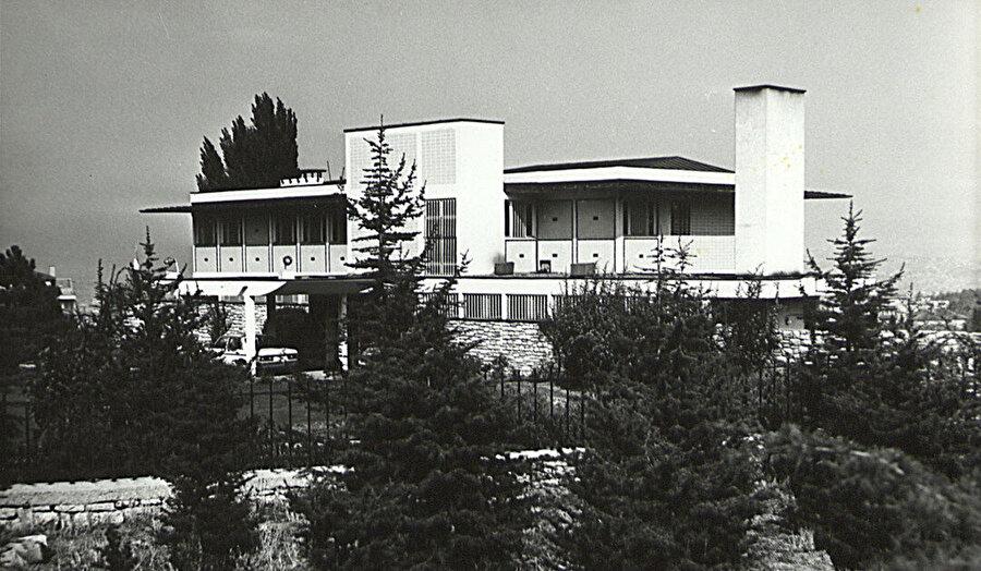 Hindistan Büyükelçiliği Konutu (1960-68).