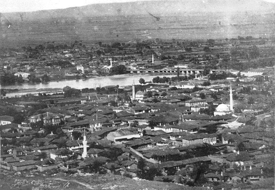 Filibe, tıpkı Edirne gibi Meriç nehrinin kıyısına kurulmuş bir şehirdir.