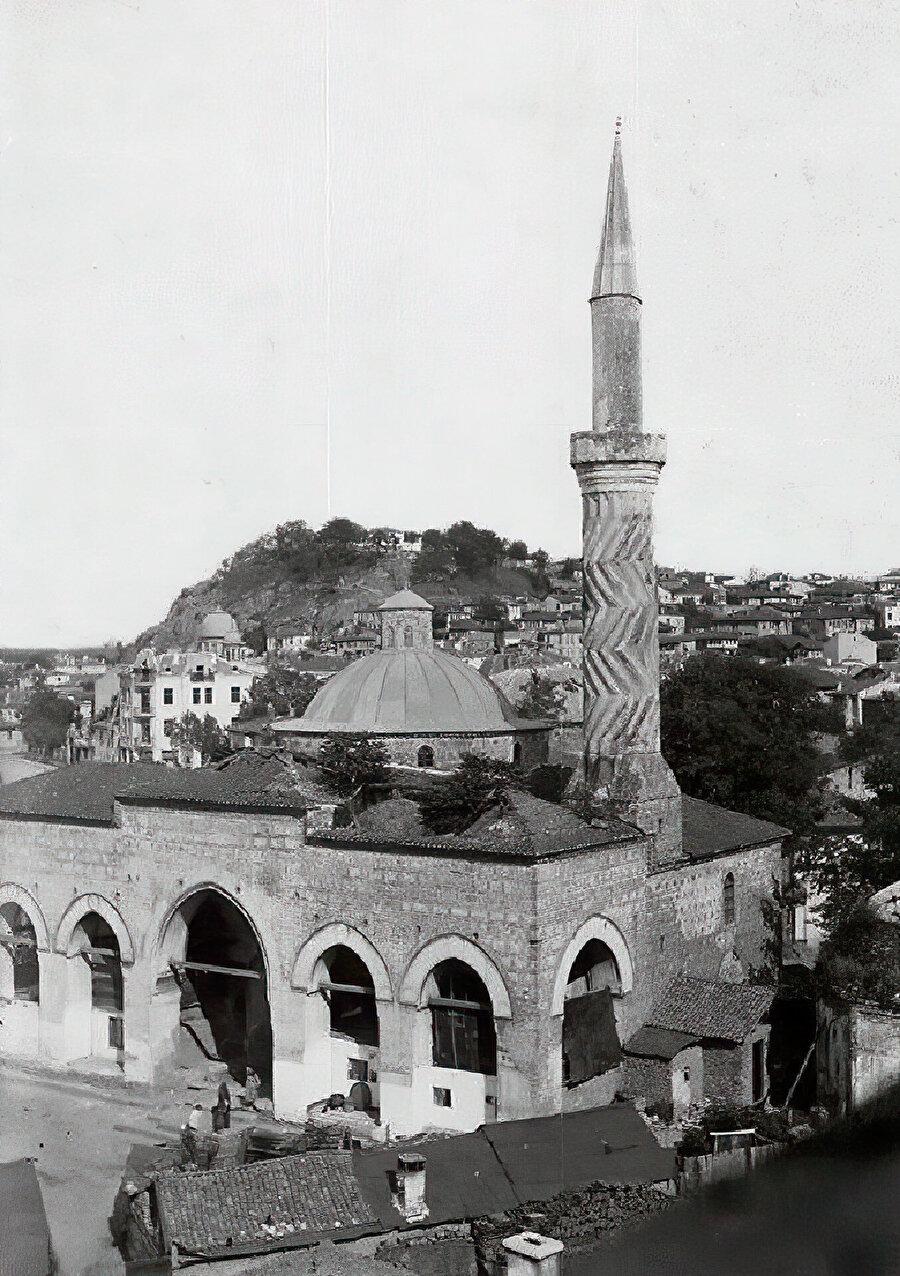 İmaret Camii'nin eski bir fotoğrafı.