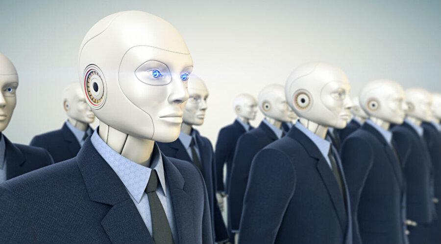 Yıl 2045. Robotlar Türkiye'ye geleli yirmi yıl oldu.