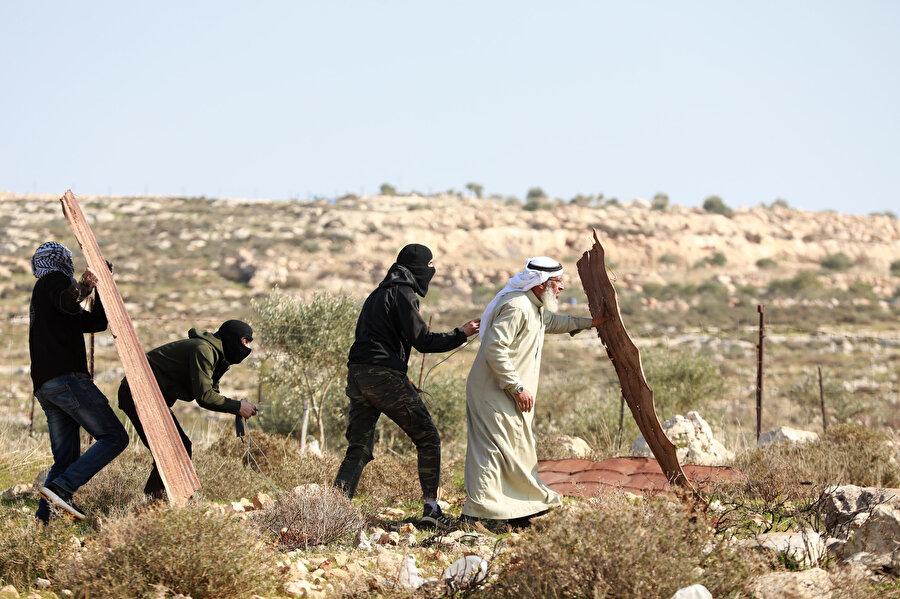 """""""Vatan savunması sadece gençlerle sınırlı tutulamaz"""" diyen Filistinli, direniş saflarında."""
