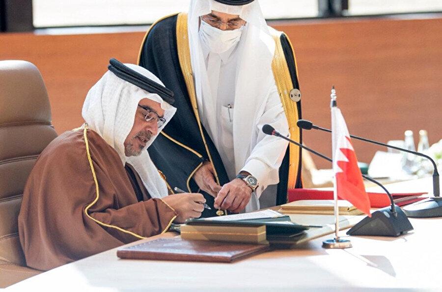 Bahreyn heyeti adına Veliaht Prens Selman bin Hamed bin İsa Al Halife katıldı.