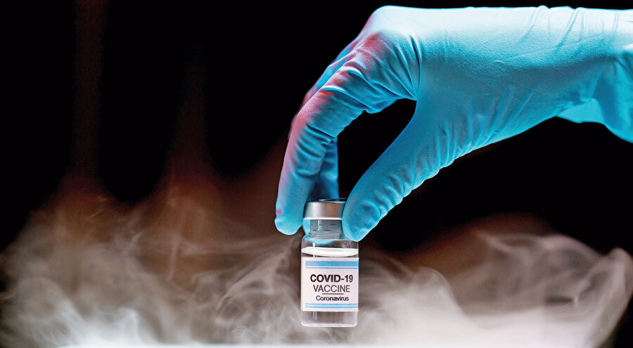 Bilim insanları yeni geliştirilen koronavirüs aşılarının mutasyona uğramış koronavirüsü alt edemeyeceğine dair yorum yaparken, korku ve panik yüzünden birçok ülke, bazı ülkelerle uçuşları durdurdu