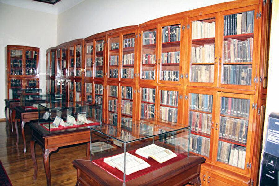Ziyabey Kütüphanesi