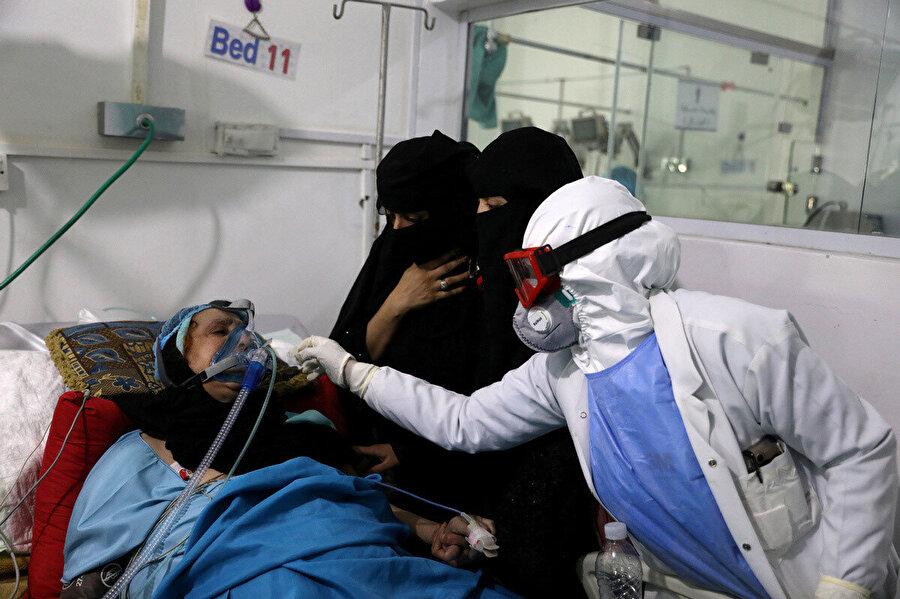 Yemen'de tedavi altına alınan bir Kovid-19 hastası.