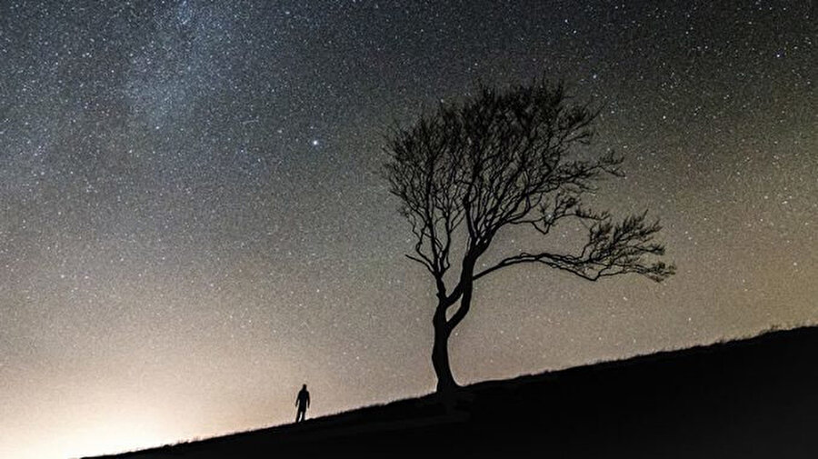 Hiçbir hayat başladığı gibi bitmez. Hiçbir yaşam aynı dünyaların içinde sona ermez.