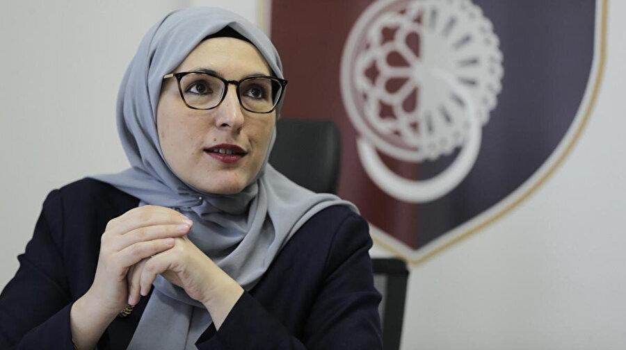 Hota Muminovic, salgının yayılmasını engellemek amacıyla eğitimin eve taşındığını belirtti.