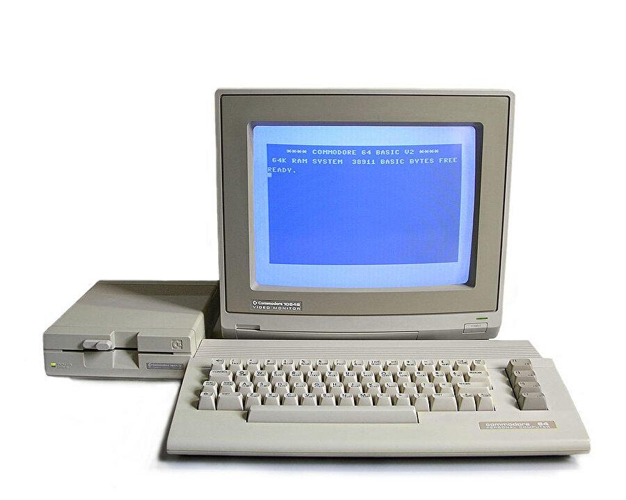 Refik Anadol'un ilk bilgisayarı, Commodore 64.