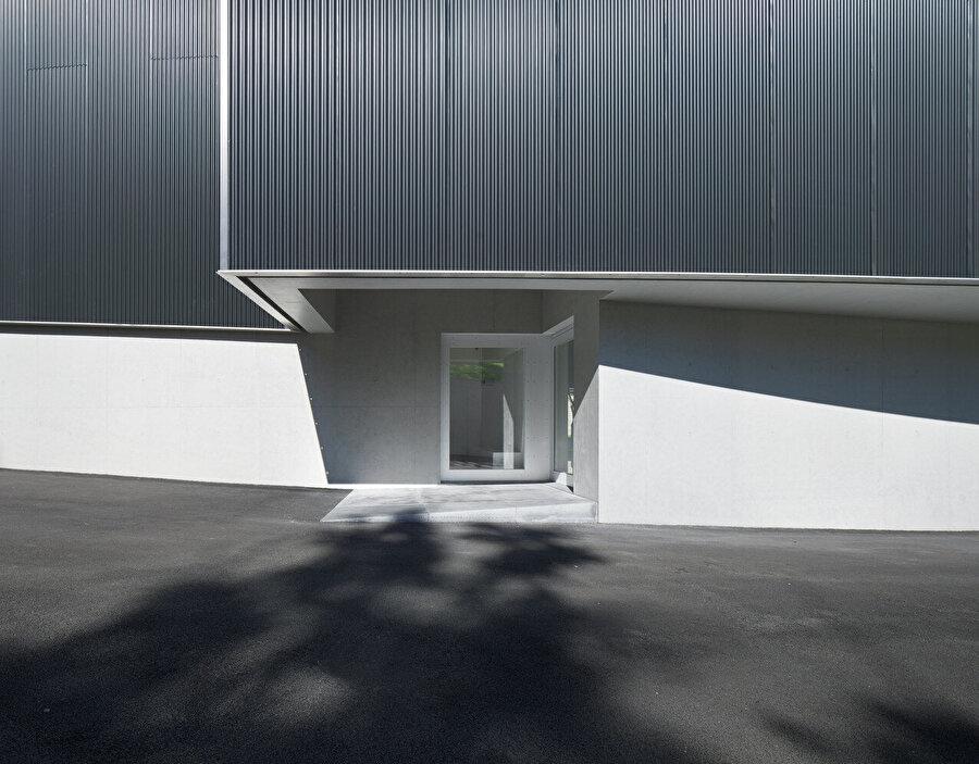 Müzenin diğer girişinin olduğu bölüm.
