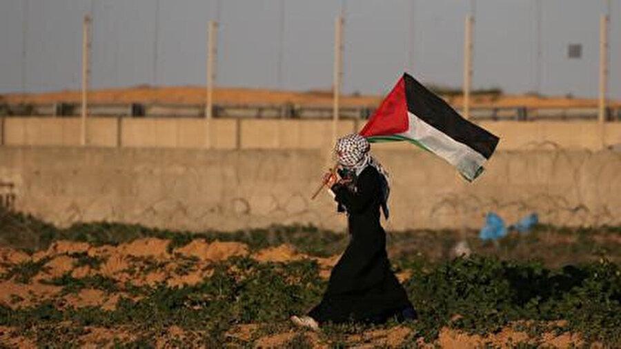 """Uluslararası toplumun önemli bir kısmının Filistin'den talebinin aslında """"seçim olsun ama Hamas kazanmasın"""" şeklinde olduğu gözüküyor.nn"""