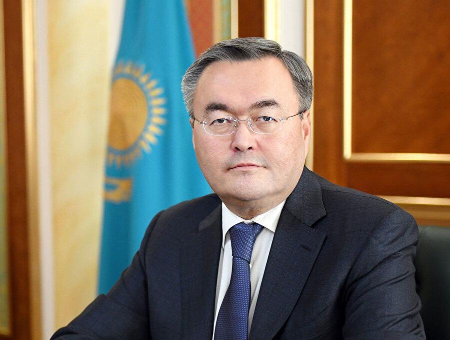 Muhtar Tileuberdi başbakan yardımcısı ve dışişleri bakanı görevlerini aynı anda yürütecek.