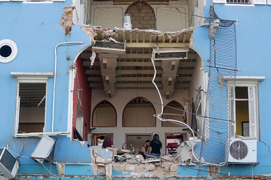 Sigorta şirketlerinin ödemeleri yapıp yapmayacağı Lübnan resmi makamlarının patlamayla ilgili yürüttüğü soruşturmanın sonuçlarına bağlı olacak.nn