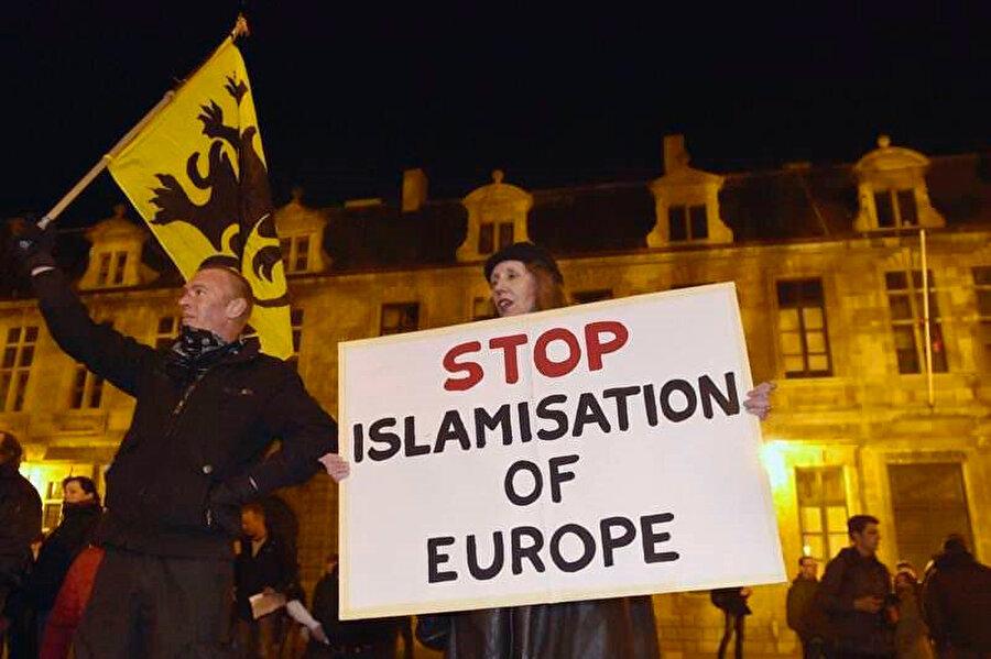 'Avrupa'nın İslamlaşmasını durdurun'